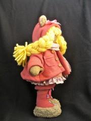Кукла - вид сбоку