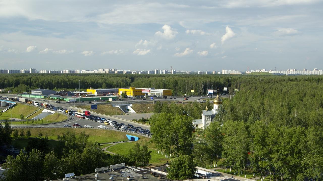 Въезд в Московский, вторник, шесть вечера