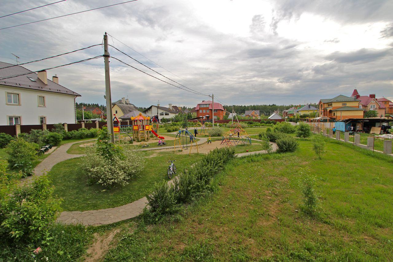 Детская площадка в Мешково