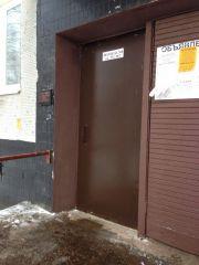 Установка двери в д.23, подъезд 8