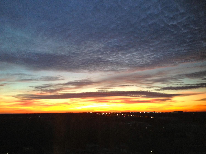 Каракулевый закат над Внуково