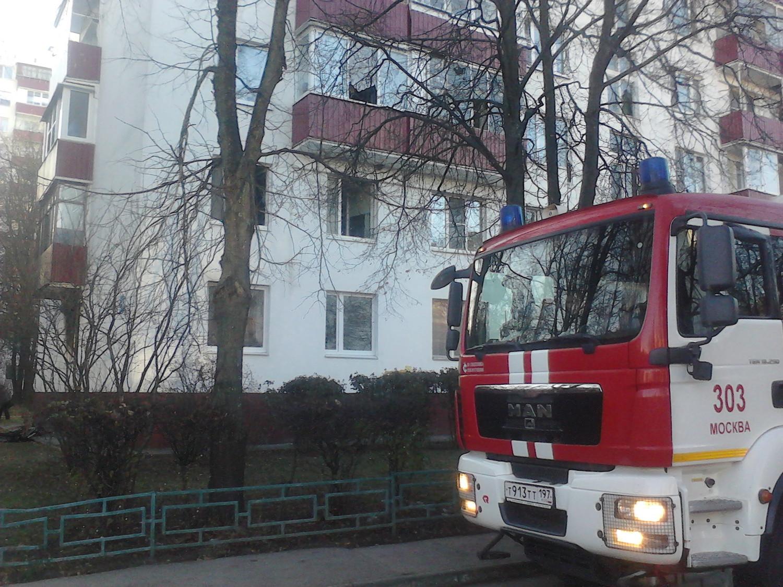 Пожар в 1 мкр. г. Московский (д. 25)