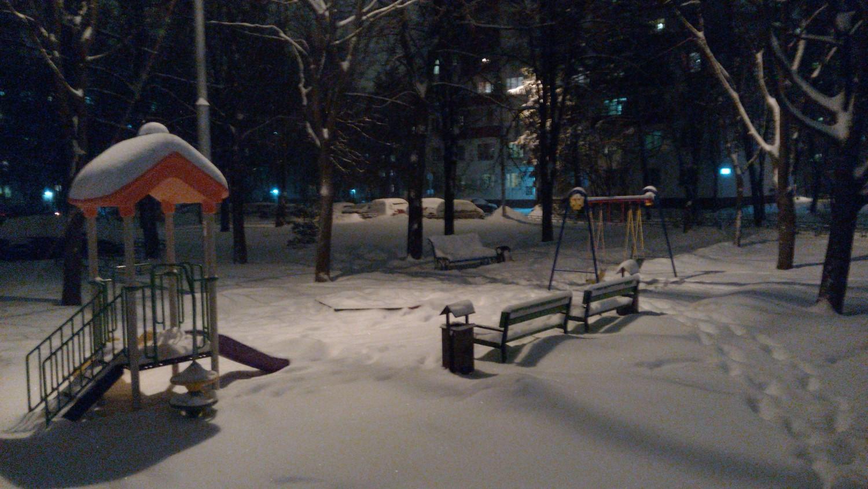 январь 2015 г., детская площадка за 25 домом в 1 мкр.