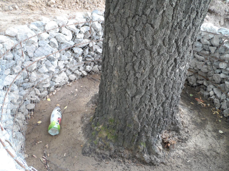 Поднятие грунта, для маскировки строительного мусора и удешевления проекта. 5-й мкр.