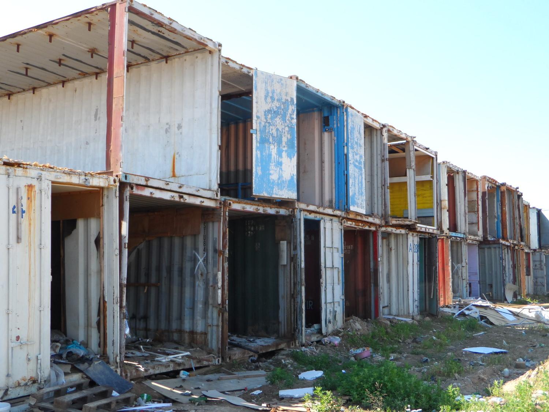 Контейнерные останки старого рынка