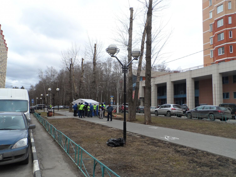 25.04.2015 г., субботник в г. Московский, 3 мкр.