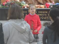 Ученики школы № 2065 корп. 1, г Московский у памятника войнам ВОВ (6.05.2015)