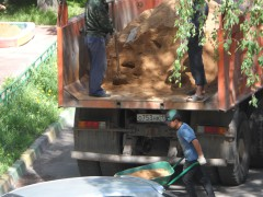 Очередная смена песка на детских площадках в г. Московский