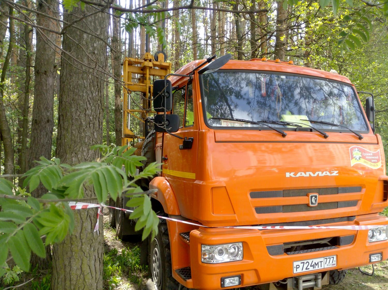 Лесопарк в Переделкино, пробы грунта для строительства метро.