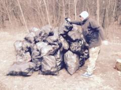 """""""Школьный лес"""" уборка мусора 24.04.2015 г."""