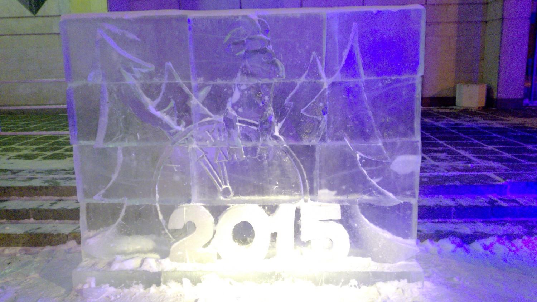 Ледяная композиция, символ 2015 г. баран