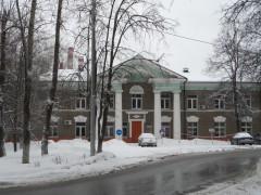 Административное здание ин. Полиомиелита, центральный вход