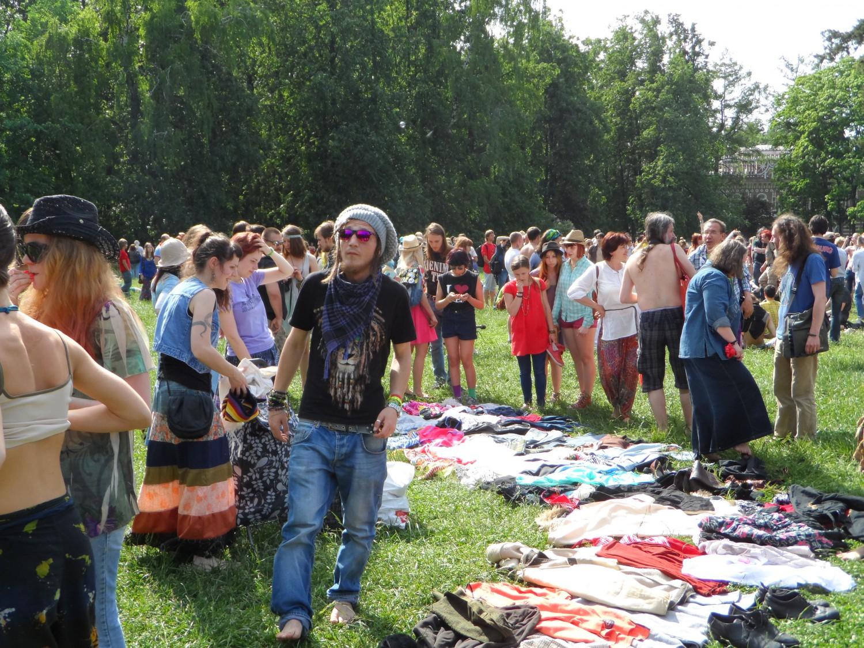 """Сходка хиппи в усадьбе """"Царицыно"""" (Москва 1.06.2015)"""