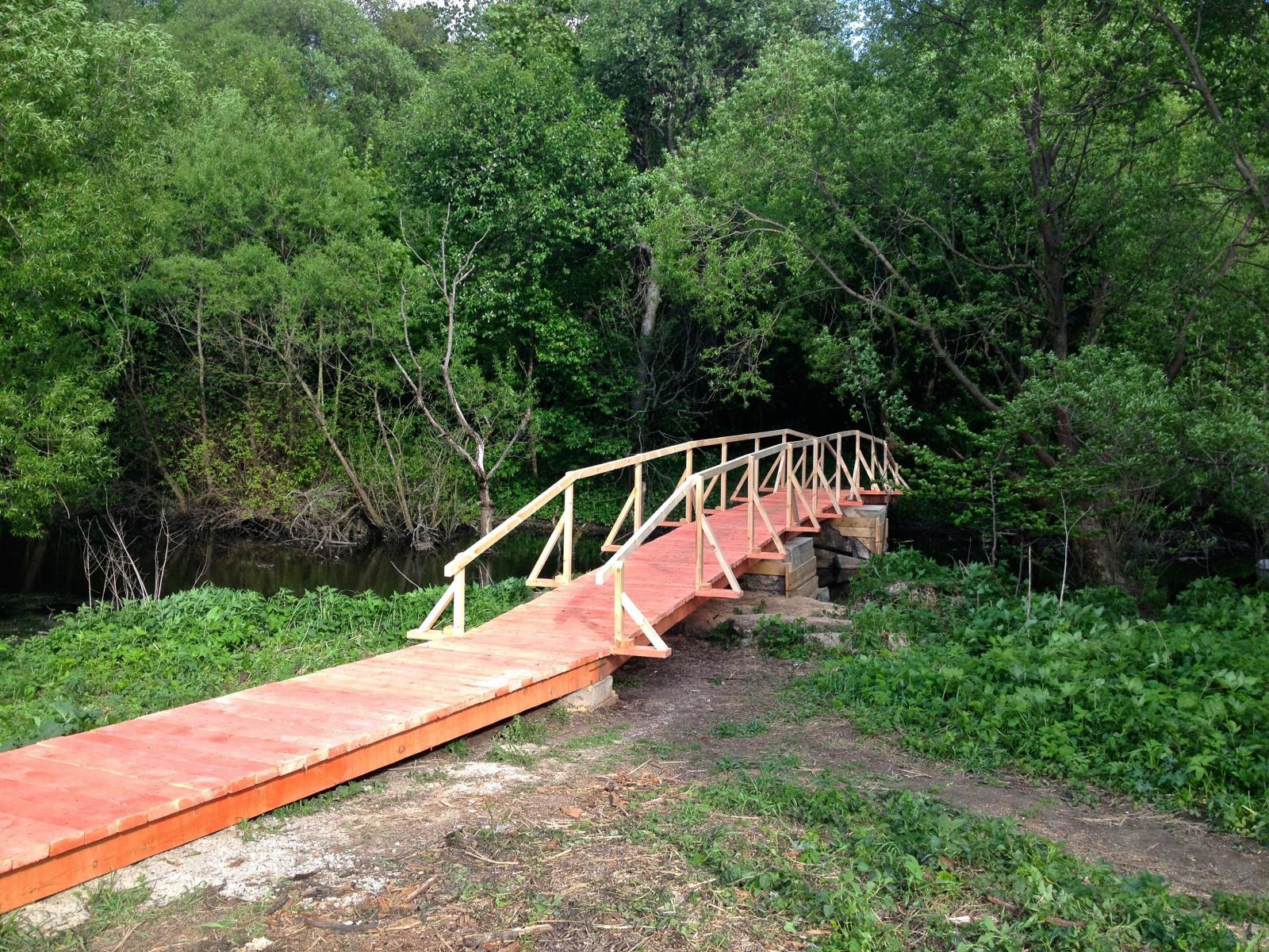 Мостик через реку Ликова