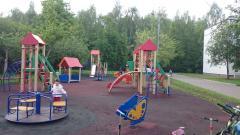 Детская площадка возле начальной школы, микрорайон 1